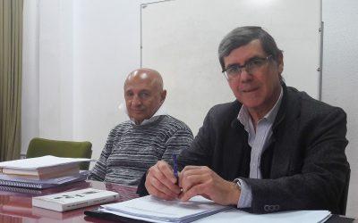 Conferencia del poeta yemení Abdulha Al–Udhari